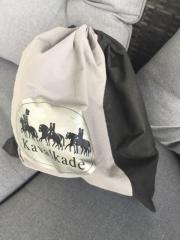 Kavalkade Reithelm Zum Verkauf steht ein Reithelm der Marke Kavalkade in der Größe 59. Reithelm in gutem Zustand, ... 30,- D-64584Biebesheim Heute, 16:02 Uhr, Biebesheim - Kavalkade Reithelm Zum Verkauf steht ein Reithelm der Marke Kavalkade in der Größe 59. Reithelm in gutem Zustand