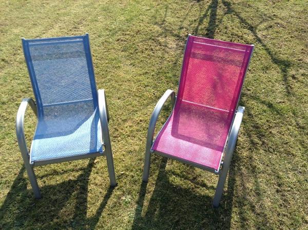 verkaufe gartenstuhl oder alustuhl in rosa oder blau f r kinder das material alu sehr gut. Black Bedroom Furniture Sets. Home Design Ideas