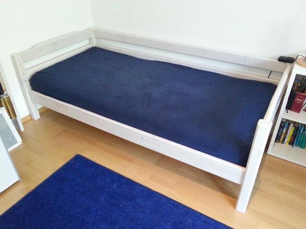 spielbett mit vielen variationen bis ca 12 jahre umbaubar wei vollholz gepflegt stabil. Black Bedroom Furniture Sets. Home Design Ideas