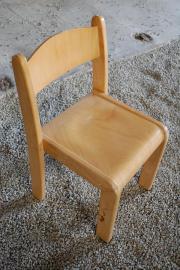Kinderstuhl, Stuhl