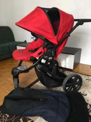 Kinderwagen + Fußsack.