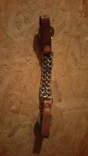 Kinnkette aus Leder