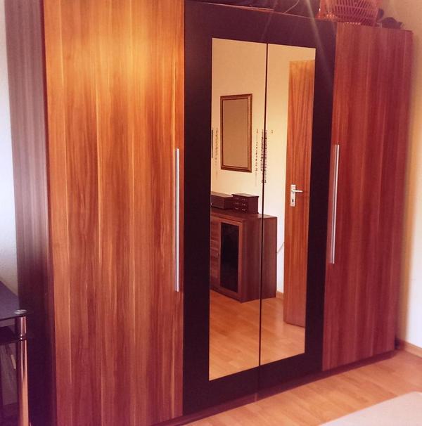kleiderschrank nussbaum neu und gebraucht kaufen bei. Black Bedroom Furniture Sets. Home Design Ideas