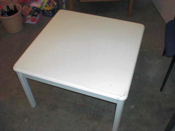 kommode tisch regal spiegel blumenkonsole g stebett kleiderst nder in m nchen. Black Bedroom Furniture Sets. Home Design Ideas