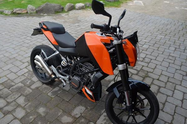 ktm 125 duke orange 2012 in cottbus kaufen und. Black Bedroom Furniture Sets. Home Design Ideas