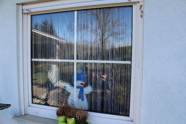 kunststofffenster mit sprossen wei in kalkofen fenster roll den markisen kaufen und. Black Bedroom Furniture Sets. Home Design Ideas