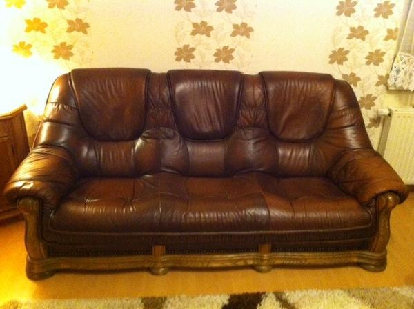 ledercouch rustikal 3teilig braun mit tisch in altlandsberg kaufen und verkaufen ber private. Black Bedroom Furniture Sets. Home Design Ideas