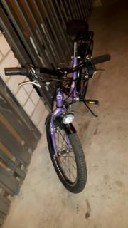 Mädchen Fahrrad lila