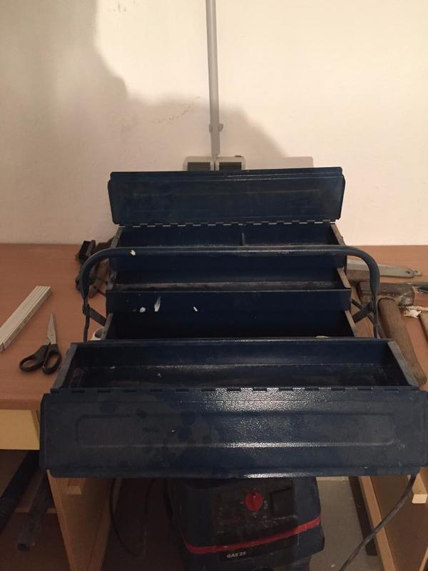 werkzeugkoffer metall kaufen gebraucht und g nstig. Black Bedroom Furniture Sets. Home Design Ideas
