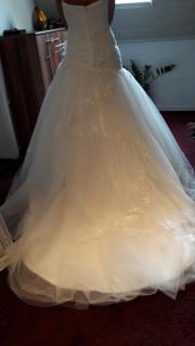 Nagelneues Brautkleid