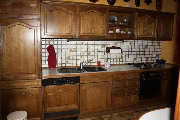biete meine noch sehr gut erhaltene vollholz einbauk che von nolte zum verkauf an die linke. Black Bedroom Furniture Sets. Home Design Ideas