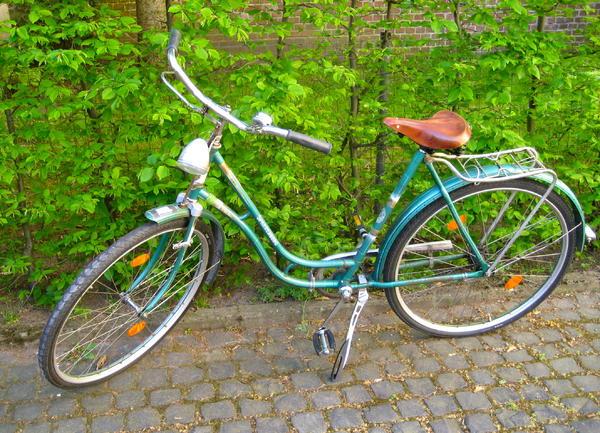 nostalgie fahrrad mit neuwertigen ledersattel von lepper in darmstadt damen fahrr der kaufen. Black Bedroom Furniture Sets. Home Design Ideas