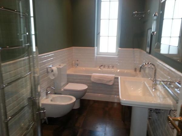 bild 6 dienstleistungen rund ums haus gewerblich novotherm gmbh badezimmer renovierung. Black Bedroom Furniture Sets. Home Design Ideas
