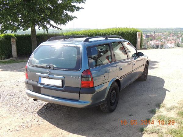 the car opel vectra b caravan kombi blau of 1000. Black Bedroom Furniture Sets. Home Design Ideas