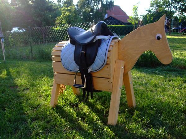 pferd pferde holzpferd voltigierpferd 70 cm hoch oder auf wunsch h her in bargstedt. Black Bedroom Furniture Sets. Home Design Ideas