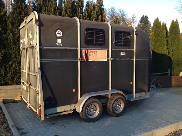pferdeanh nger f r 3 pferde oblic 3 voyager fautras in reichartshausen anh nger auflieger. Black Bedroom Furniture Sets. Home Design Ideas