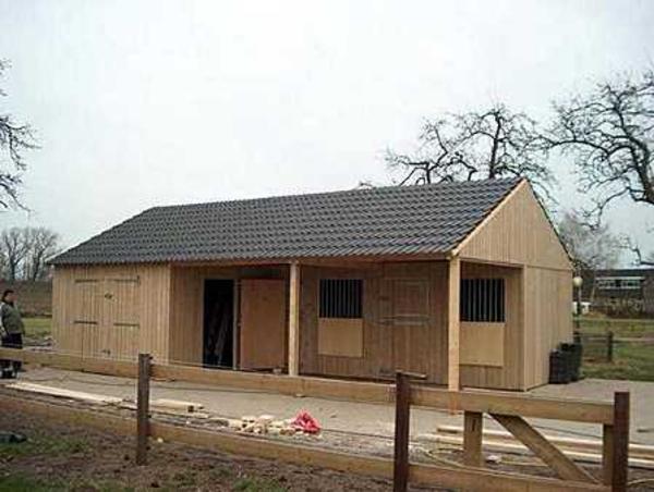 Pferdestall m gr scheune u vordach u integrierte for Schiebetor scheune selber bauen
