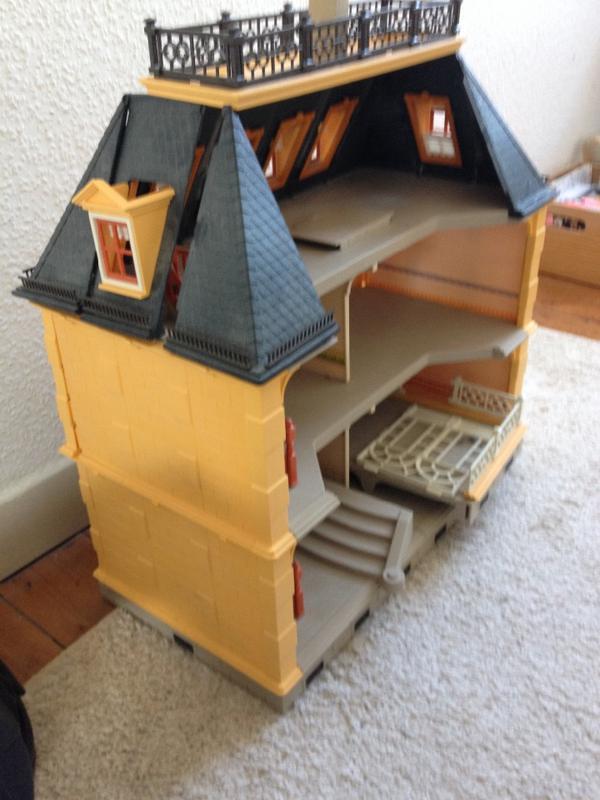 playmobil spielhaus haus puppenhaus in sinsheim spielzeug lego playmobil kaufen und. Black Bedroom Furniture Sets. Home Design Ideas