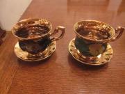 Porzellan-Tassen mit Unterteller vergoldet 2 x vergoldete Porzellan-Tassen mit Unterteller zvk. zuzügl. Versand 25,- D-68723Schwetzingen Heute, 17:54 Uhr, Schwetzingen - Porzellan-Tassen mit Unterteller vergoldet 2 x vergoldete Porzellan-Tassen mit Unterteller zvk. zuzügl. Versand
