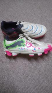Puma Mädchen Fußballschuhe