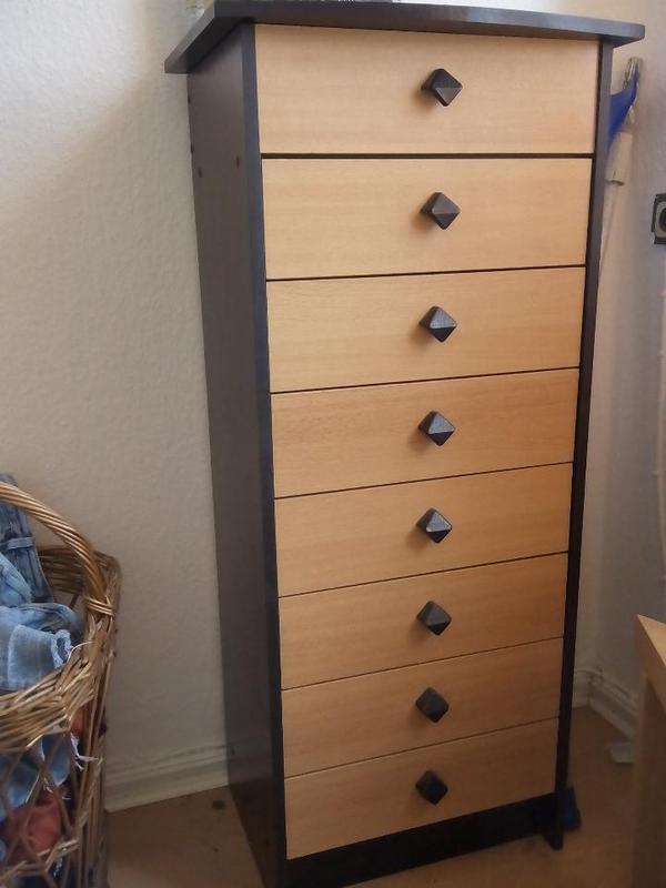 8 schubf cher h he 115 cm breite 51 cm tiefe 35 cm war wirklich super als b roschrank. Black Bedroom Furniture Sets. Home Design Ideas