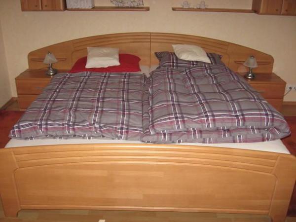 Schlafzimmer, Buche, teimassiv in Kaufungen - Schränke, Sonstige ...