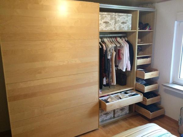 biete ikea schlafzimmer serie pax gebraucht aber sehr gepflegt neupreis ca eur 2000 wird. Black Bedroom Furniture Sets. Home Design Ideas