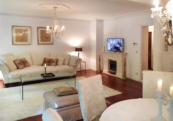 sch ne m blierte wohnung in m nchen schwabing zu vermieten vermietung 2 zimmer wohnungen. Black Bedroom Furniture Sets. Home Design Ideas