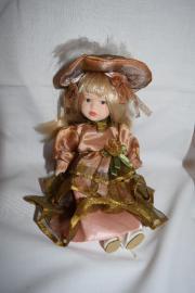 Schöne Puppe mit