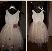 schönes Rosen Mädchenkleid