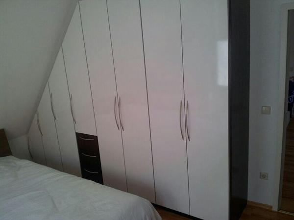 ikea schrank in dachschr ge. Black Bedroom Furniture Sets. Home Design Ideas