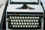 Schreibmaschine (Vintage) Adler