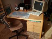 Schreibtisch, sehr solide,