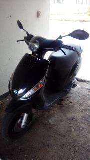 Schwarze Piaggio Zip50