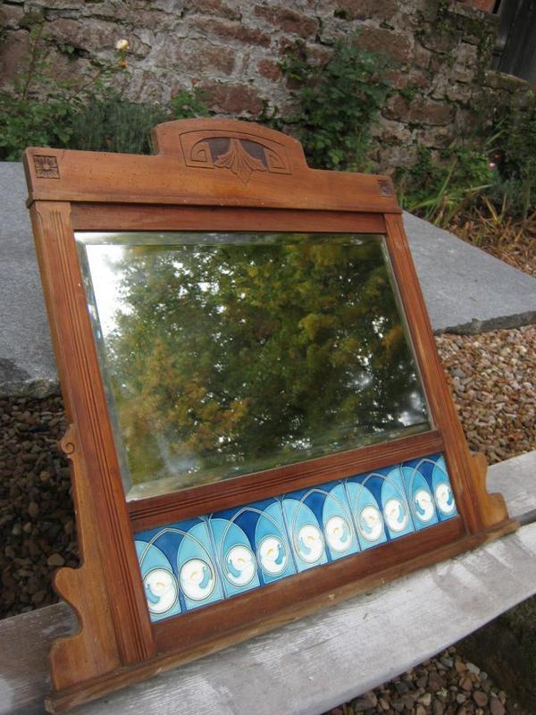 Spiegel antik mit majolika jugendstil fliesen in for Spiegel 90x100