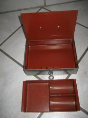geldkassette kaufen gebraucht und g nstig. Black Bedroom Furniture Sets. Home Design Ideas