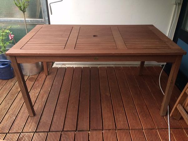 Teakholz-Gartenmöbel Set Tisch + 4 Stühle + Sitzkissen in ...