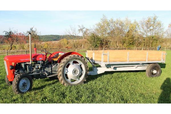 traktor mf 35 mit anh nger in metzels traktoren. Black Bedroom Furniture Sets. Home Design Ideas