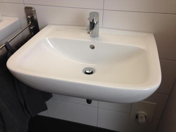 vigour derby waschtisch style in n rnberg bad einrichtung und ger te kaufen und verkaufen. Black Bedroom Furniture Sets. Home Design Ideas