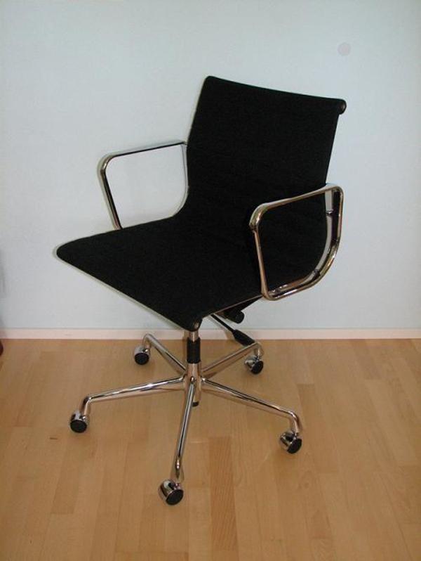 vitra alu chair ea 117 b rostuhl mit armlehnen designer charles und ray eames in hilchenbach. Black Bedroom Furniture Sets. Home Design Ideas