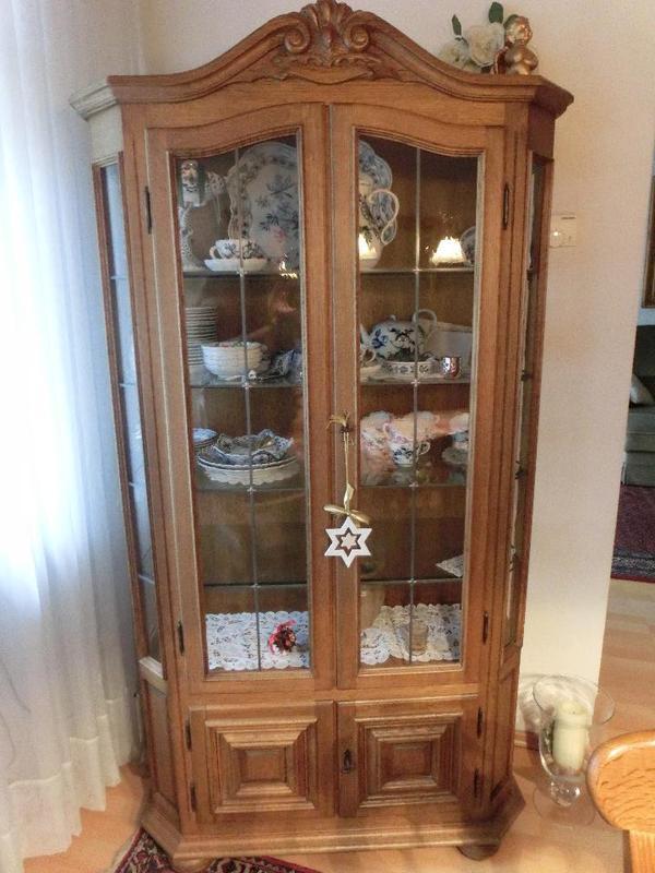 vitrine eiche rustikal in mannheim stilm bel bauernm bel kaufen und verkaufen ber private. Black Bedroom Furniture Sets. Home Design Ideas