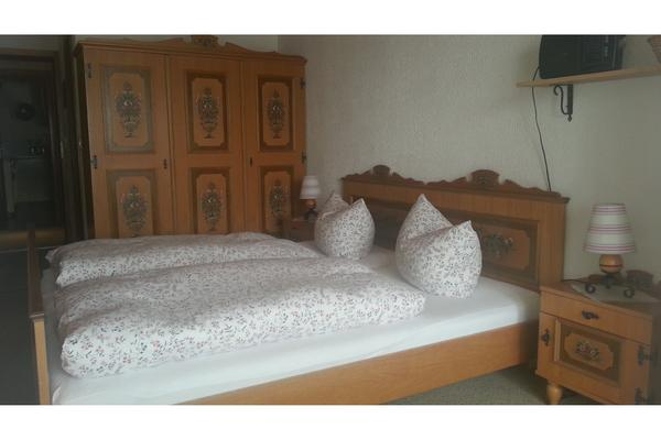 Voglauer schlafzimmer 4x in mauth betten kaufen und for Schlafzimmer verschenken