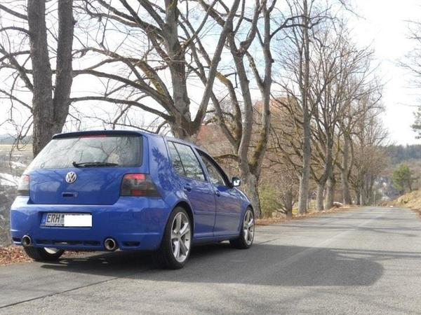 volkswagen golf 2 8 v6 4motion r32 in ro tal vw. Black Bedroom Furniture Sets. Home Design Ideas