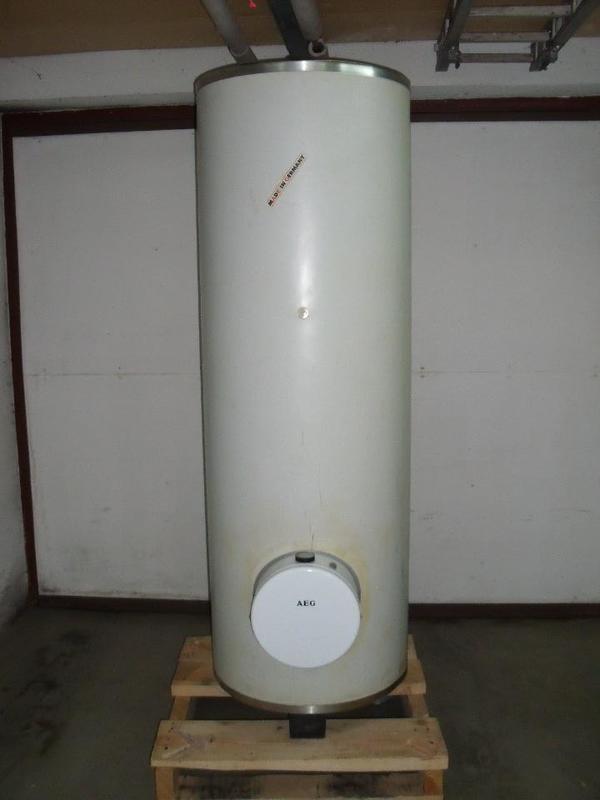 warmwasserspeicher 300 liter gebraucht kaufen nur 3 st bis 70 g nstiger. Black Bedroom Furniture Sets. Home Design Ideas