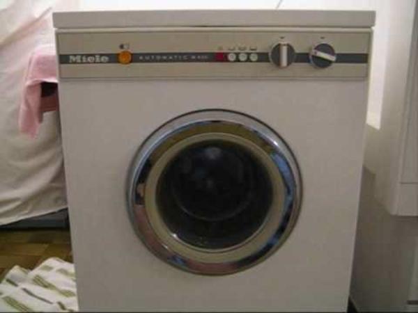 wasch voll automat top miele gebraucht zu 499 e neuer trockner zu 399 e gebr schleuder 79 99e. Black Bedroom Furniture Sets. Home Design Ideas