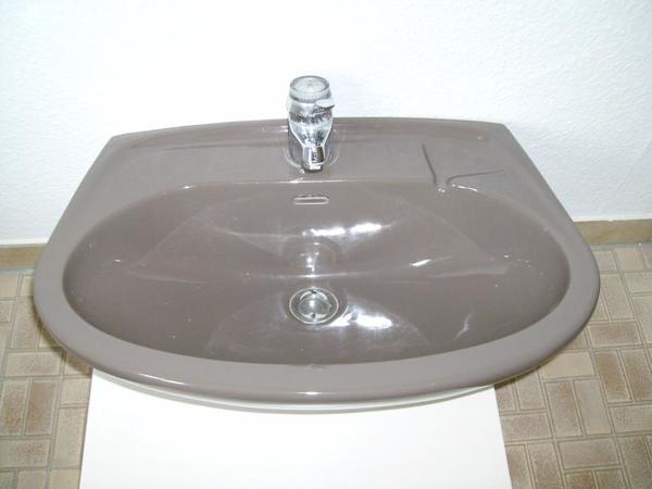 waschbecken braun in allersberg bad einrichtung und. Black Bedroom Furniture Sets. Home Design Ideas