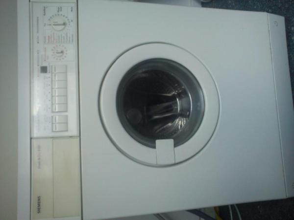waschtrockner in berlin waschmaschinen kaufen und verkaufen ber private kleinanzeigen. Black Bedroom Furniture Sets. Home Design Ideas