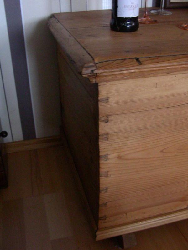 weichholz truhe in heppenheim stilm bel bauernm bel kaufen und verkaufen ber private. Black Bedroom Furniture Sets. Home Design Ideas