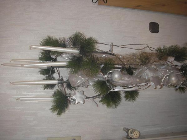 Bilderrahmen Holz Pforzheim ~ Weihnachtsgesteck beleuchtet in silber gehalten(mit LMinilichterkette)