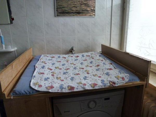 wickeltisch voll holz fichte optimal f ber d waschmaschine in m nchen wickeltische. Black Bedroom Furniture Sets. Home Design Ideas